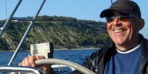 Emekli emniyet müdürü avlanmaya çıktığı gölde kayboldu
