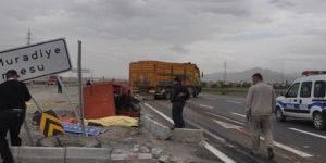 Konya'da kamyon ile traktör çarpıştı: 1 ölü