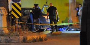 İzmir'de şüpheli araçta silah ve el bombası bulundu