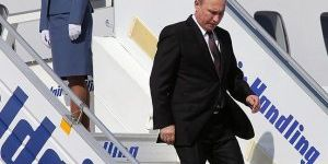 Putin 9 yıl aradan sonra Yunanistan'da