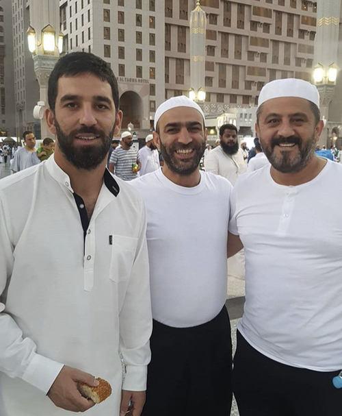 0x0-arda-turan-ramazanda-umre-ziyaretim-beni-cok-rahatlatti-1497782550423.jpg