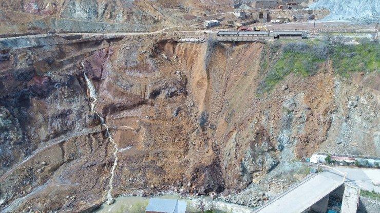 Maden'de heyelan riski nedeniyle 15 ev ve iş yeri tahliye edildi