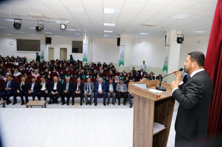 Belediye Başkanı Arı, İlmihal yarışması ödül törenine katıldı