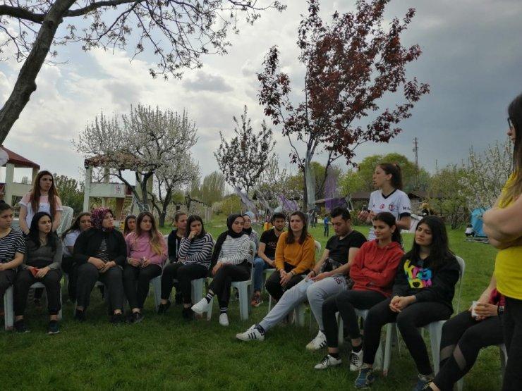 Başkan Sargın'dan kamp yapan öğrencilere ziyaret