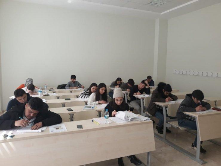 Yabancı öğrencilere Türk üniversitelerinin kapıları açıldı