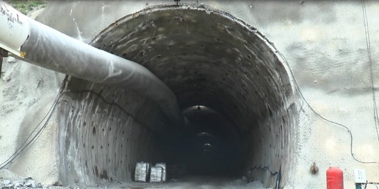 Vali Memiş Pirinkayalar Tüneli'nde incelemede bulundu