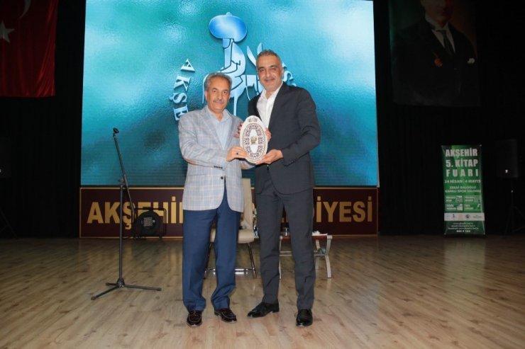 Akşehir'de Yazar Bekir Develi'den 'Anadolu İrfanı' konferansı