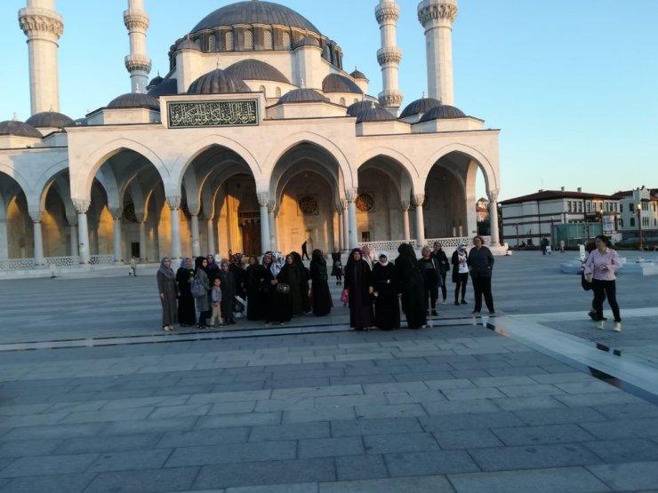 Başkent'te Türk ve mülteci kadınlarla dayanışma etkinliği
