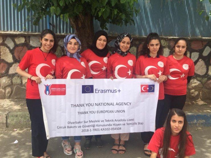 Diyarbakırlı kız öğrenciler stajlarını Romanya'da yapacak