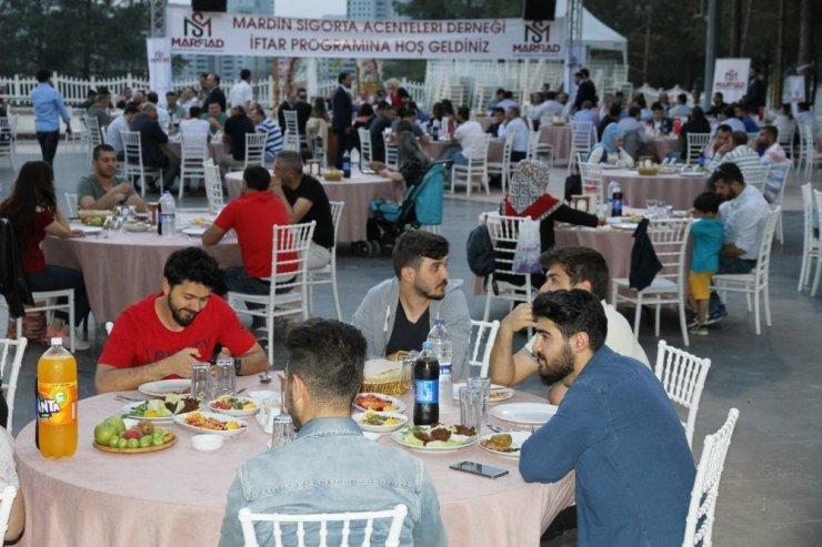 MARSİAD üyeleri iftar programında buluştu