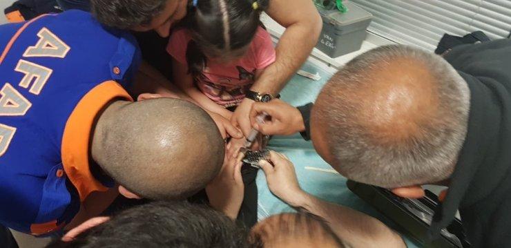Parmağını rendeye sıkıştıran küçük kızın imdadına AFAD yetişti