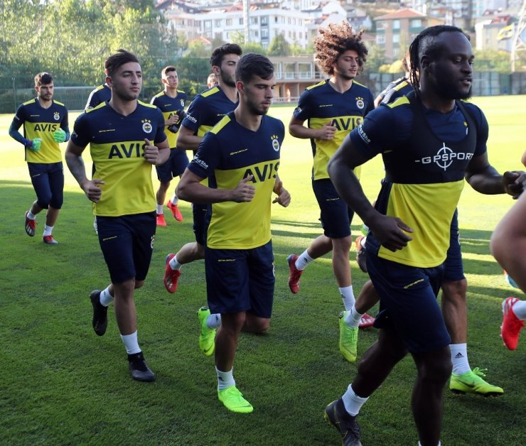 Fenerbahçe top başı yaptı