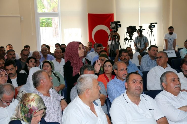 Akdeniz Belediyesi'nde bir ilk: Meclis toplantısı Çilek Mahallesi'nde yapıldı
