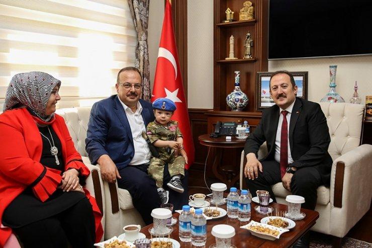 Bursa Valisi Yakup Canbolat, Vali Ali Hamza Pehlivan'ı ziyaret etti