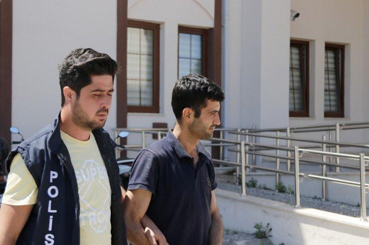 Çalıntı otomobille polisten kaçan 2 şüpheliden 1'i tutuklandı