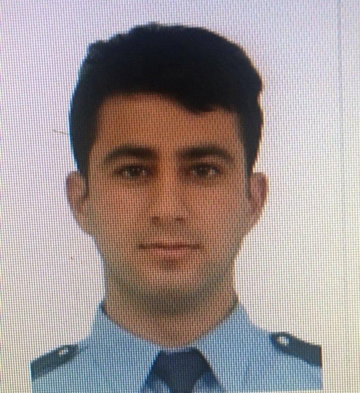 Silahını temizlerken kendisini vuran polis öldü