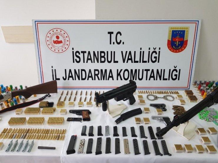 3 ilde silah kaçakçılarına operasyonda suikast silahı ele geçirildi