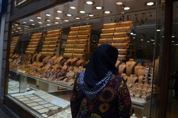 Türkiye'den Birleşik Arap Emirlikleri'ne 112 milyon 100 bin dolarlık altın