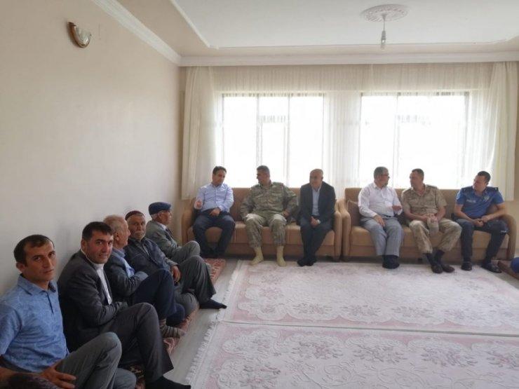 Kaymakam Dundar ve Başkan Ensari'den mahalle ziyareti