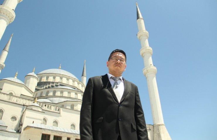 ODTÜ'lü Japon Ülkücü Türk milliyetçiliğinin evrensel gücüne inanıyor