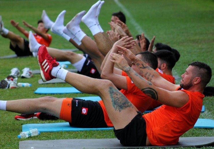 Adanaspor yeni sezona çift idmanla çalışıyor