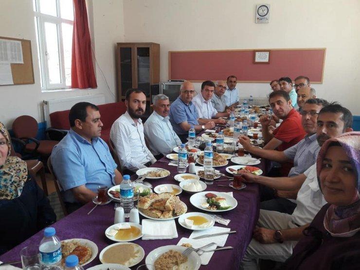 Başkan Çoban memleketi Kavaklı Köyünde köy halkı ile kahvaltıda buluştu