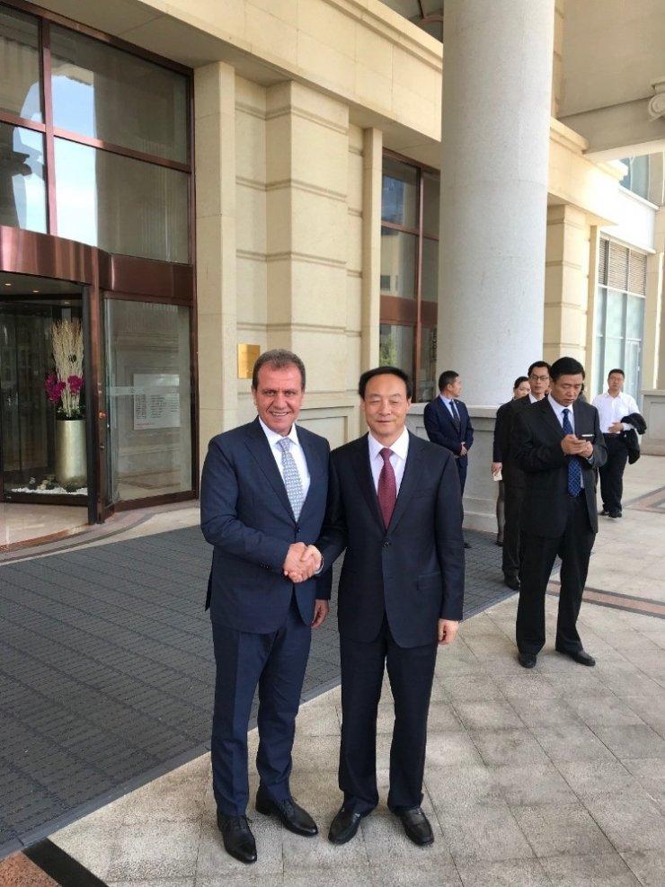 Başkan Seçer, Çin'de yatırımcıları Mersin'e yatırım yapmaya çağırdı