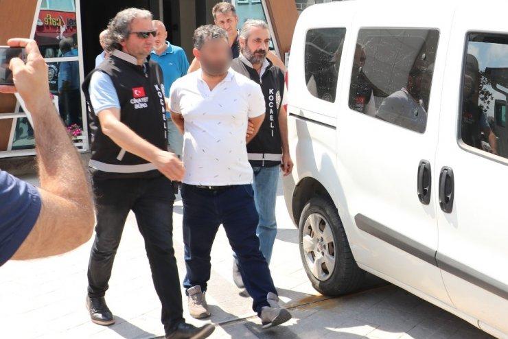 Kocaeli'deki kadın cinayetinin 2 şüphelisi adliyeye sevk edildi