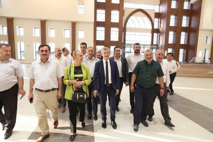 Meclis üyeleri belediyenin hizmetlerini yakından gördü