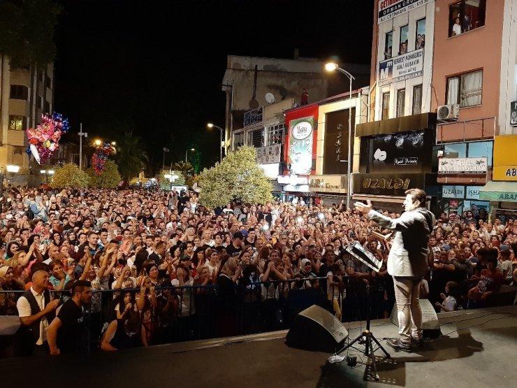 Ünlü şarkıcı Coşkun Sabah, Çaycuma'yı coşturdu