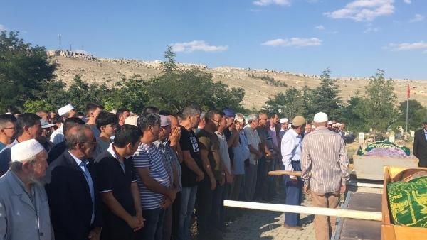 Konya'daki feci kazada ölen çift de toprağa verildi