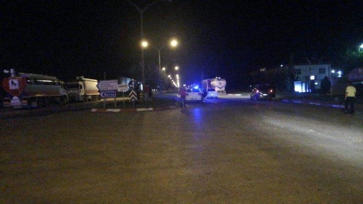 2 kişinin yaralandığı kaza mahalleliyi sokağa döktü