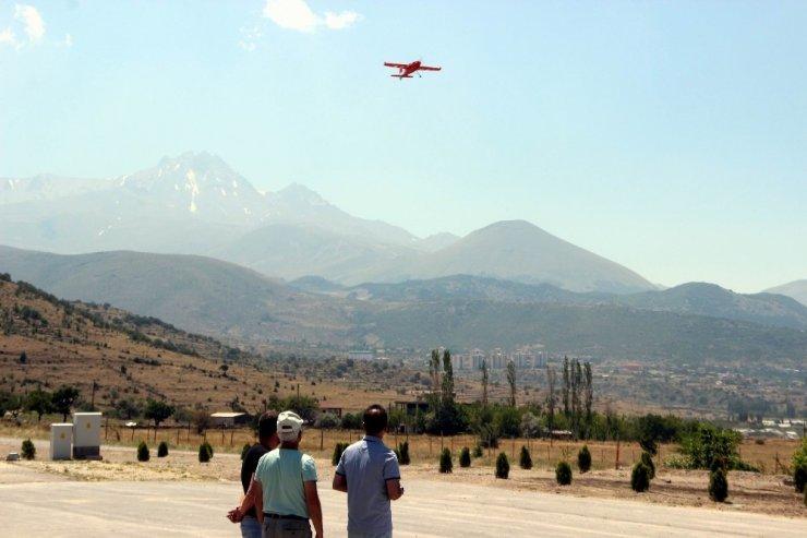 9 ülkeden 14 kişi hava araçlarında kendilerini geliştirmek için Kayseri'ye geldi