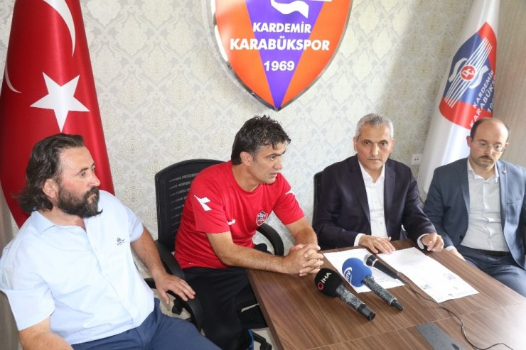 Kardemir Karabükspor'da yeni teknik adam İsmail Demirci oldu