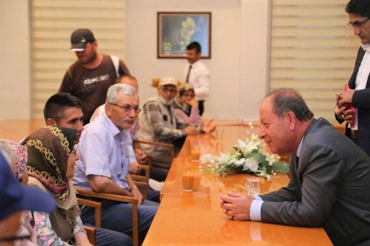 Başkan Oprukçu hemşehrilerini dinliyor