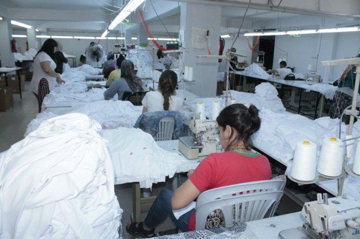 Kadın girişimci, eşinin desteğiyle tekstil atölyesi açtı
