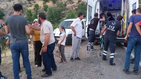 İşçileri taşıyan minibüs devrildi, 15 kişi yaralandı, sürücü kaçtı