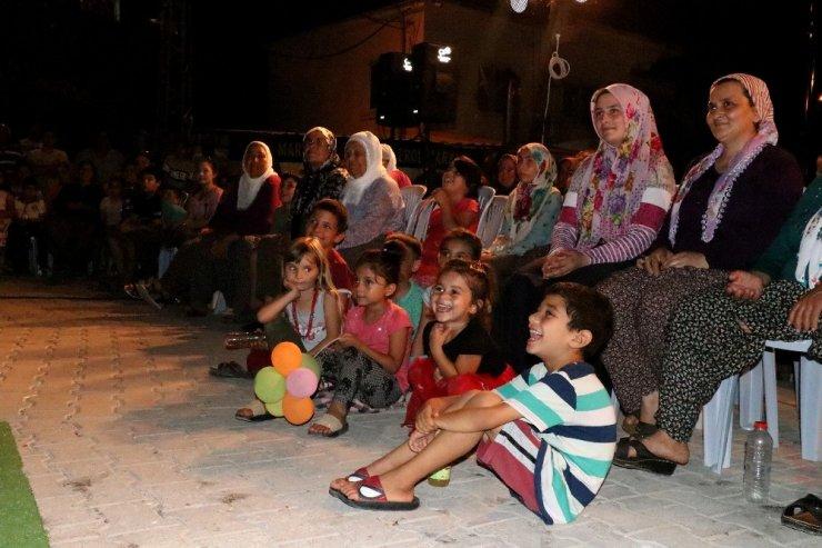 Tiyatro sahnesi yaylalara kuruluyor, çocuklar ilk kez tiyatro izlemenin heyecanını yaşıyor