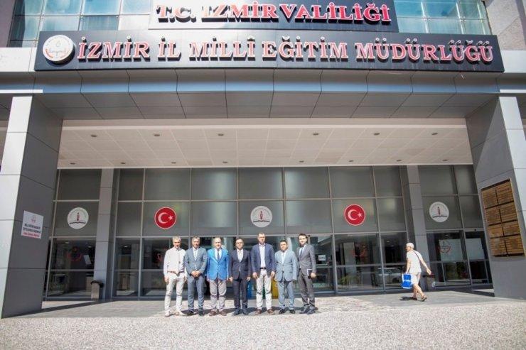 Doç. Dr. Boyacı, İzmirli eğitimcilerle bir araya geldi