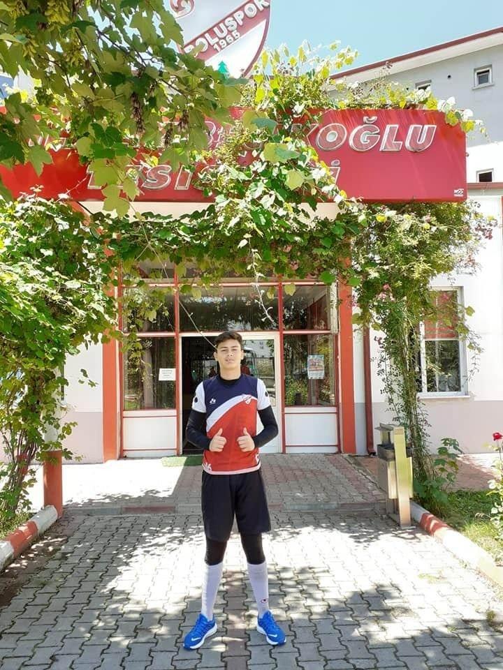 Salihlispor'dan TFF 1. Ligi'ne transfer oldu