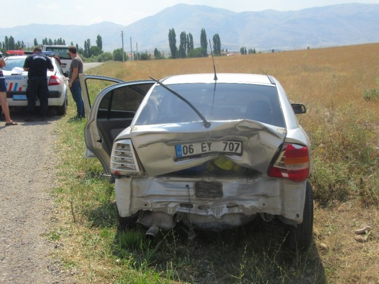 Sandıklı'da zincirleme kaza: 2 yaralı