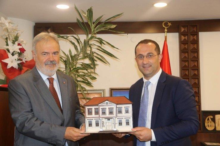 Moldova heyetinden başkan Ekim'e ziyaret
