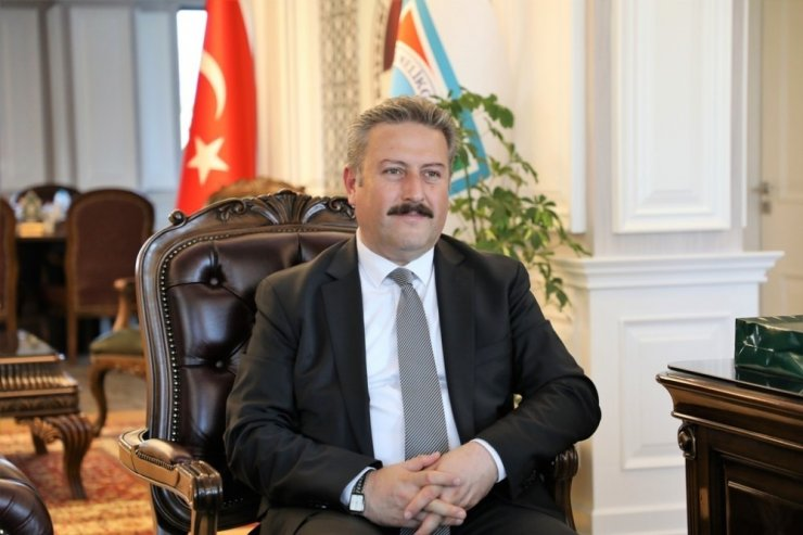 """Başkan Dr. Mustafa Palancıoğlu: """"Melikgazi Teknoloji Ortaokulu ve Lisesi Hayırlı olsun"""""""