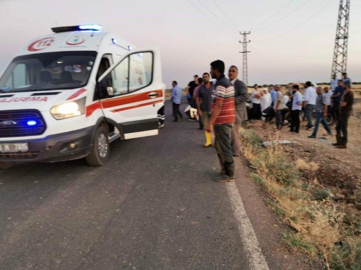 Devrilen otomobildeki 7 kişi yaralandı