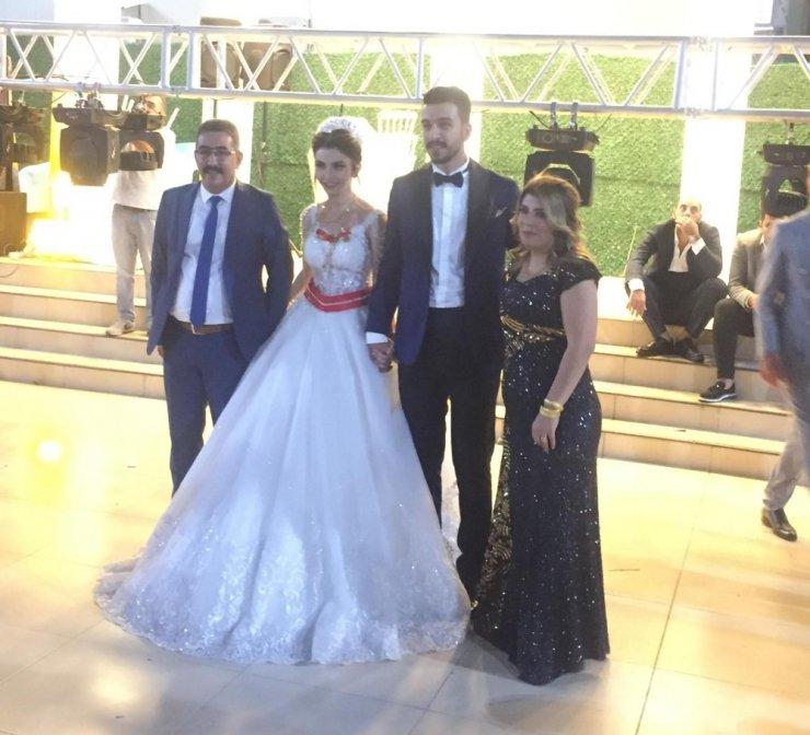 Siyaset ve iş adamlarını buluşturan düğün