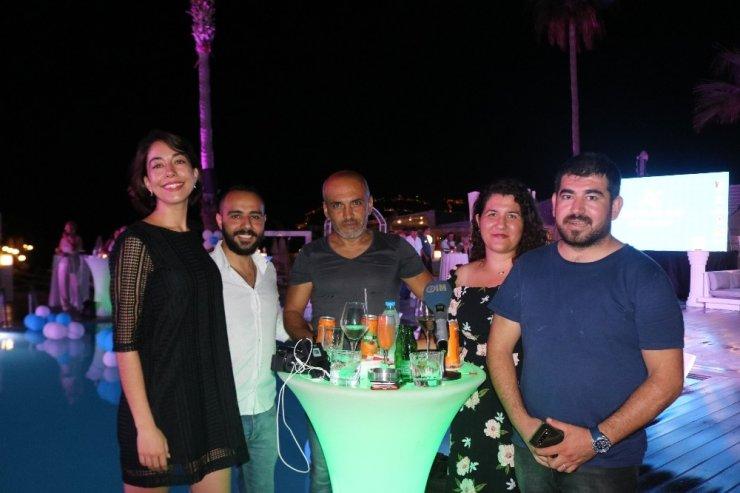 Fin güzellere Türk kokteyli
