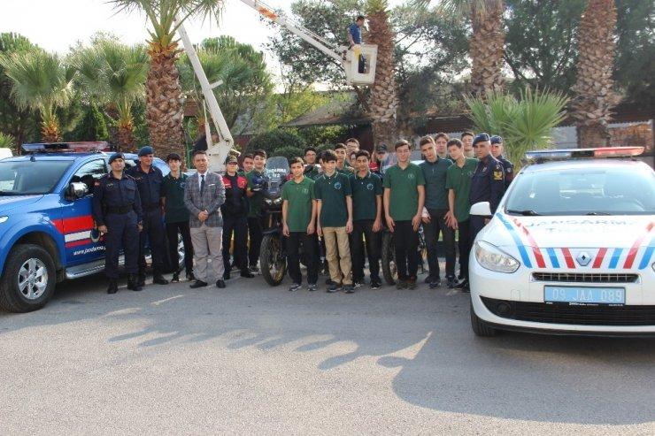 Adnan Menderes Proje İHL öğrencilerinden Mehmetçik ziyareti