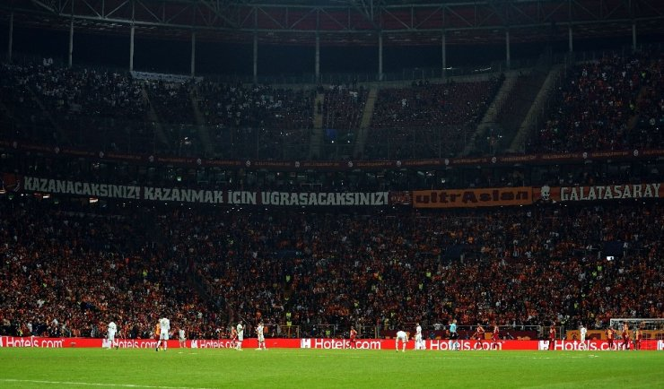Galatasaray-Real Madrid maçını 49 bin 528 taraftar izledi
