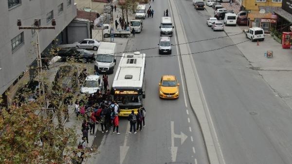 Her gün kilometrelerce yürüyorlar... Öğrencilerin tehlike dolu okul yolu