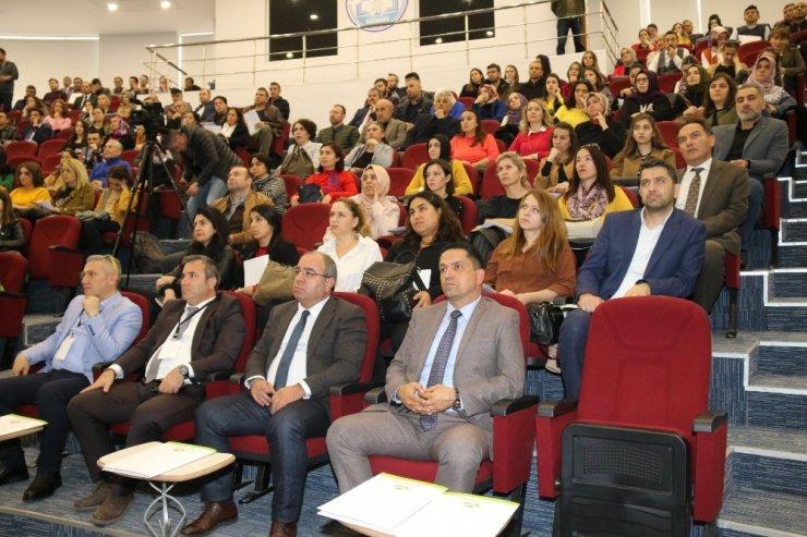 Kütahya'da öğretmenlere 'Eğitimde Fark oluştur' konulu seminer